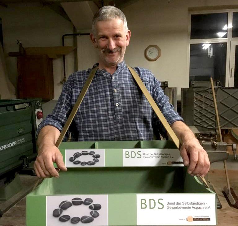 Markus Kälber mit dem BDS-Verkaufsstand